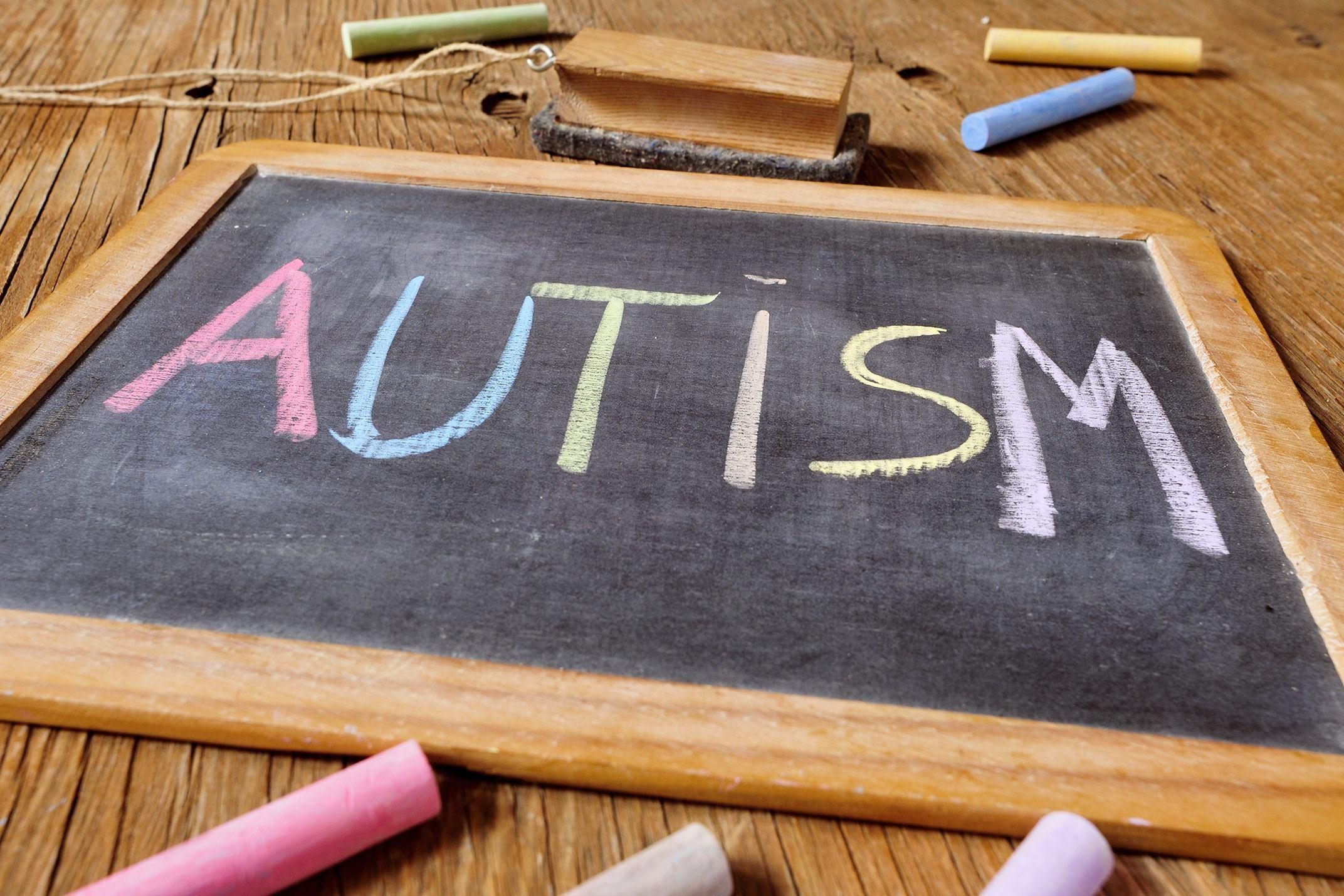 Metformina Reduz o Ganho de Peso Associado à Terapia Antipsicótica em Crianças e Adolescentes com Autismo