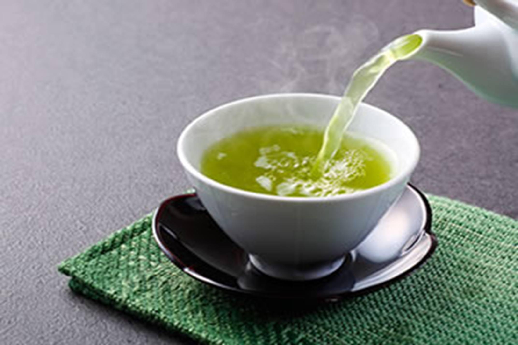 Chá Verde Rico em Catequinas Melhora a Glicose Pós-Prandial em Menopausadas