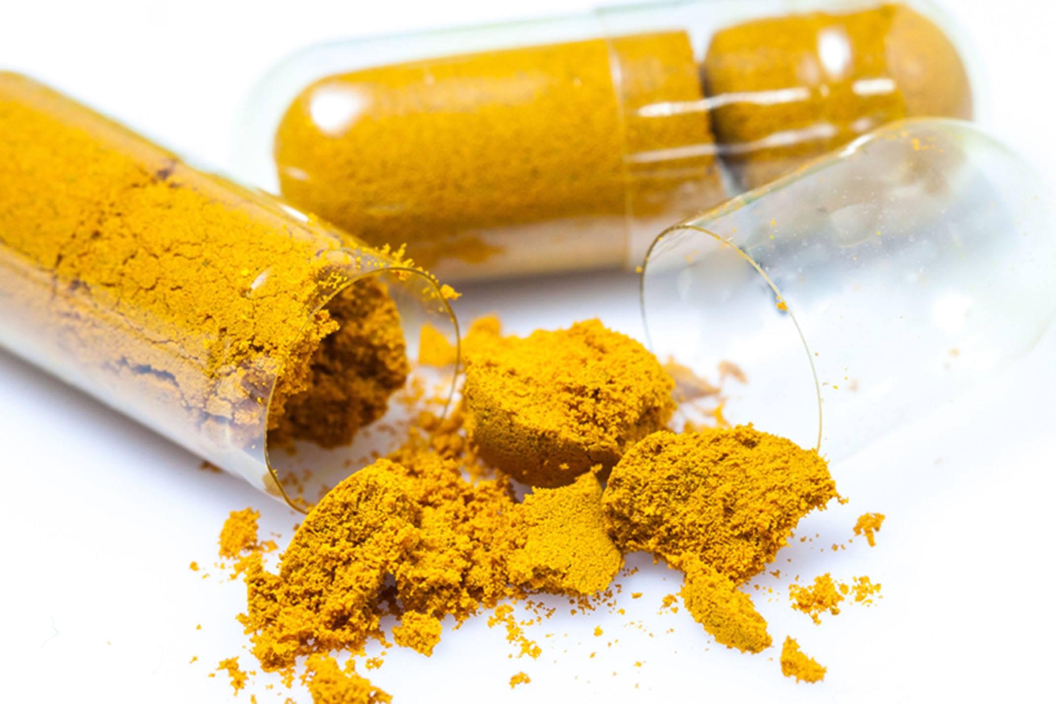 Suplementação de Curcumina Melhora os Marcadores Lipídicos e a Concentração de Ácido Úrico em Pacientes com DHGNA